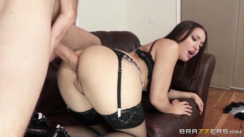 Брюнетки иблондинки любят секс