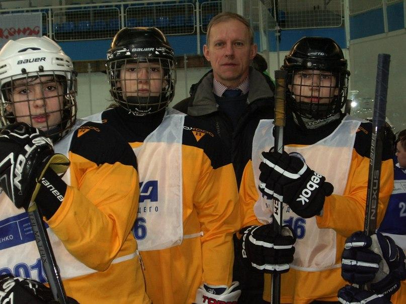 Лига Будущего. Фрагмент игры юных хоккеистов СПб на приз турнира «Золотая шайба 2016»
