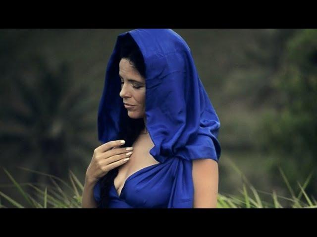 Priestess, Goddess, Woman - Peruquois