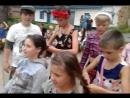 день наоборот, а парни неплохо плетут косы)