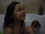 Дети в ванной