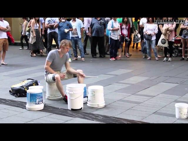 Уличный барабанщик виртуоз 2014 HD