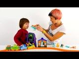 Видео для детей. Развивающие игры для детей. Lego конструктор. Строим железную дорогу для динозавров