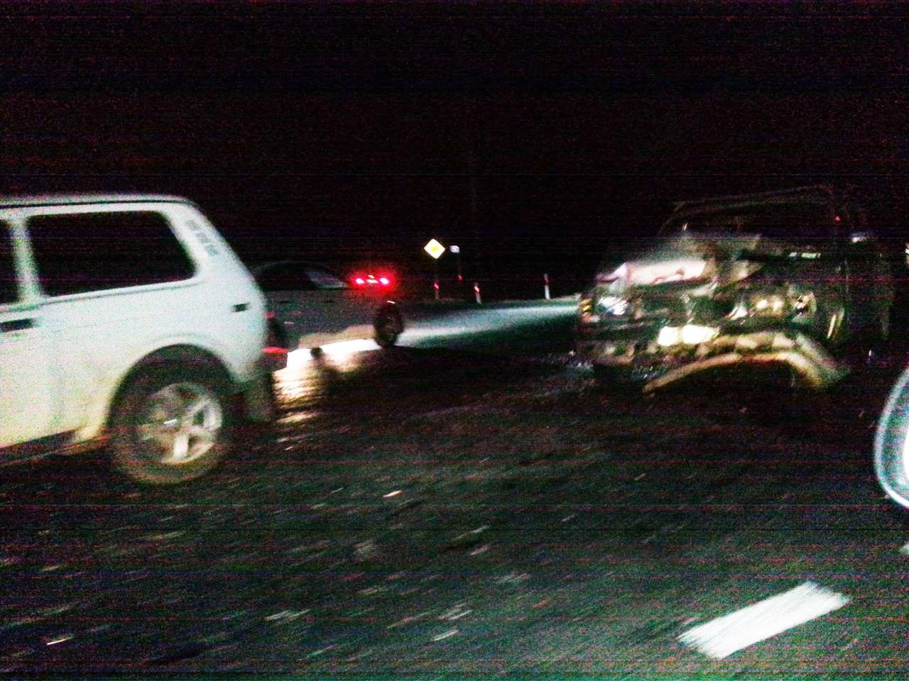 На трассе под Таганрогом у поворота на Троицкое произошла крупная авария