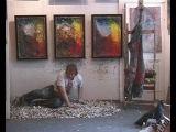 Художник С. Федотов собирает диваны из тюбиков