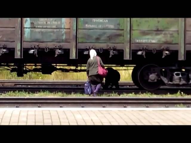 ЗАЧЕМ бросаться под поезд Як люди ризикують життям с Лавочне