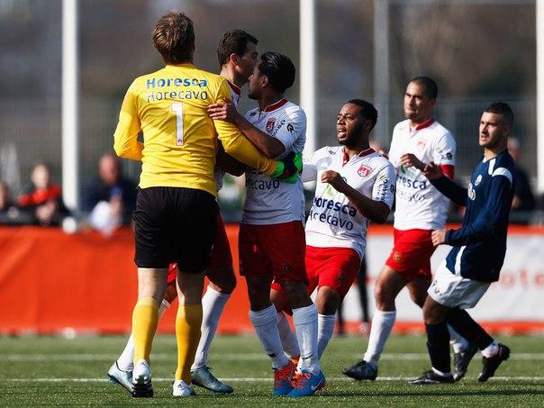 Эдвин ван дер Сар отразил пенальти в матче за Нордвейк - изображение 4