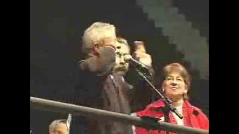 Lula Chama Eleitorado de Viado e Rejeita Comida em Aerolula