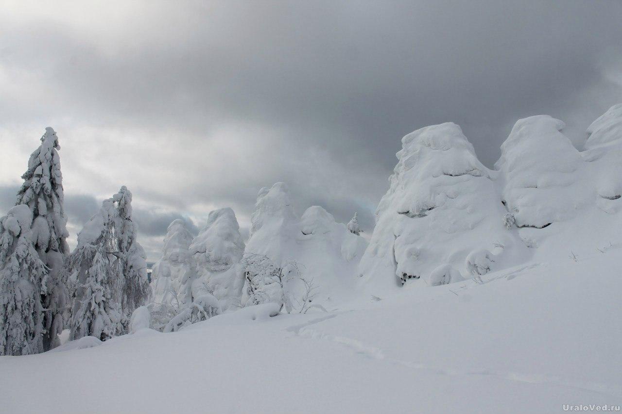 Скалы на горе Колпаки