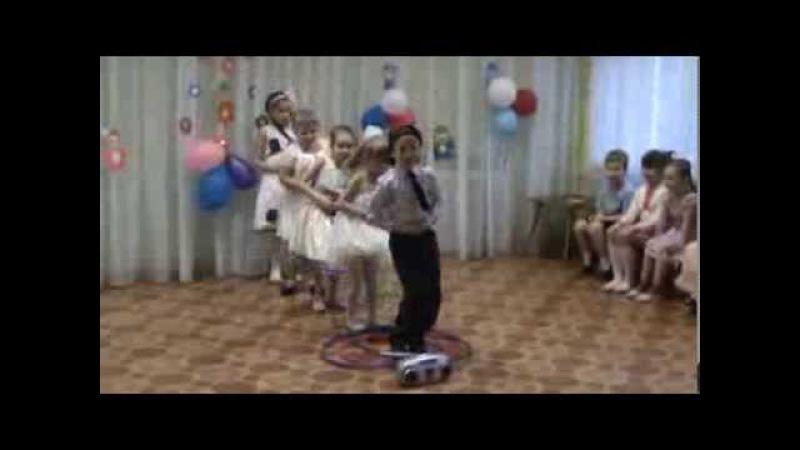 танец на 8 марта в детском саду Хулахуп