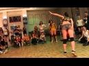 Малолетние шлюхи не видят ничего зазорного в блядских танцах