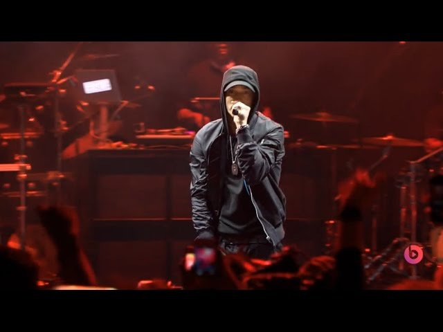 Eminem live 2014 [HQ] at The Beats Music Event (Full Performance)