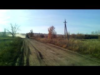 Пьяные украинские военные врезались на БМП-2 в опору ЛЭП