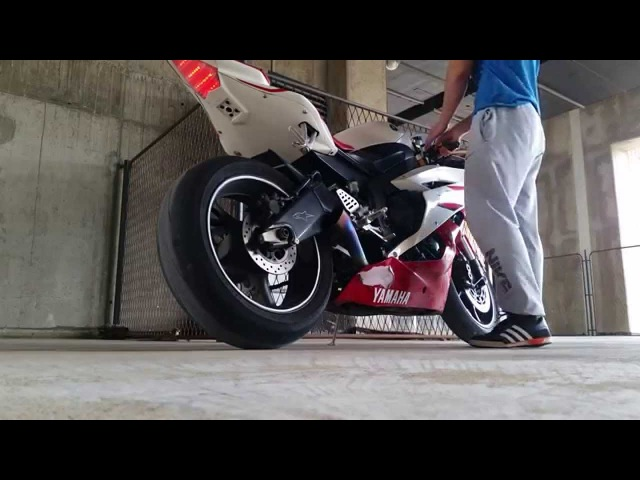 Yamaha R6 Akrapovic VERY LOUD!!