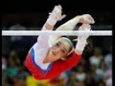 Тренер удачно подстраховал слетевшую с перекладины головой вниз гимнастку
