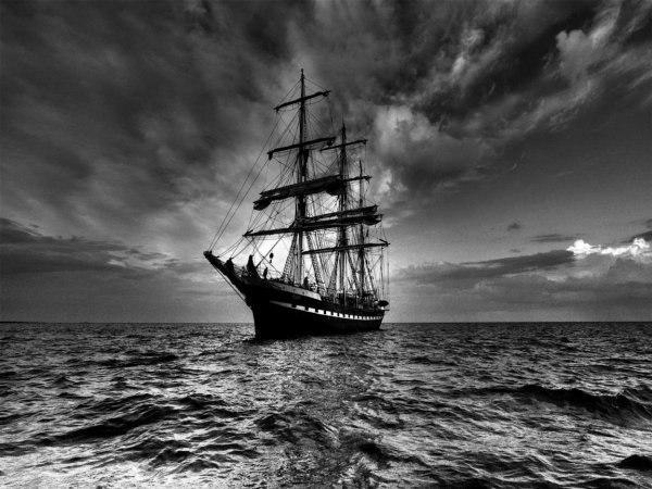 тайна парусника «марлборо» в 1890 году парусник «mallboro», груженный мороженой бараниной и шерстью, вышел из новой зеландии в английский порт глазго. на борту судна находились двадцать три