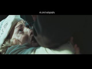 Грудь Виктории Толстогановой в фильме Утомленные солнцем 2: Цитадель (2011, Никита Михалков)