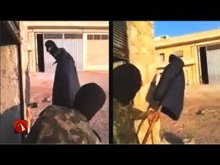 Сирийские солдаты смеются над снайпером - The Syrian soldiers laugh at the sniper