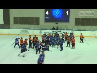Массовая драка. Детский турнир по хоккею в Пинске. ЖЕСТЬ. КРОВЬ. МЕСИВО.