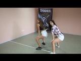 Как танцевать тверк поэтапно Как научиться танцевать девушке в клубе Урок 1 - YouTube_0_1441807556121