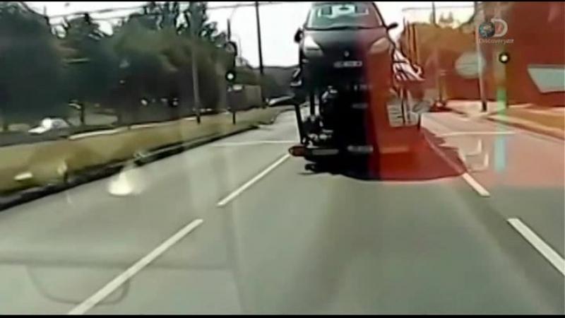 16 Катастрофа на колесах