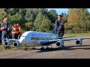 Огромная модель самолета Airbus A-380