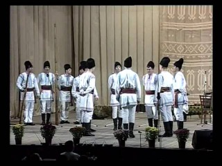 Ansamblul Etnofolcloric Plaiesii - Dansul Mocaneasca si sirba