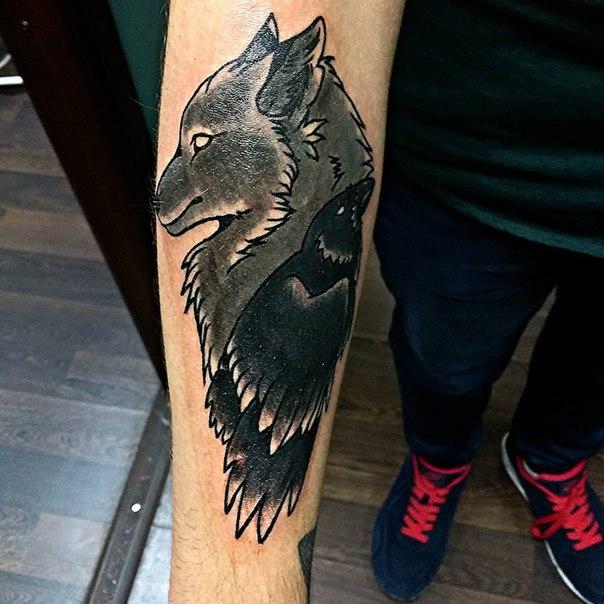 Значение татуировки ворон. Символика тату 6