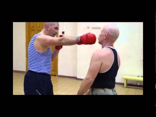 Крючков. Тренировка по выработке рефлексов на уклонах от рук и сбивов от ног