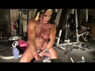 Lynn live muscle cam_hq