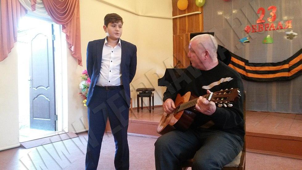 В Зеленчукской ДШИ «Лира» прошел концерт, посвященный 23 февраля