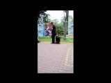 Сочи, парк Ривьера, уличный музыкант исполняет Chi Mai (Ennio Morricone из к.ф. Профессионал).