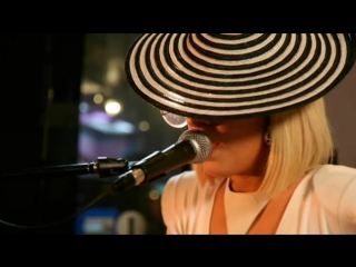 2009 // Lady Gaga > BBC Radio 1 (The Jo Whiley Show) (Gagavision.net)