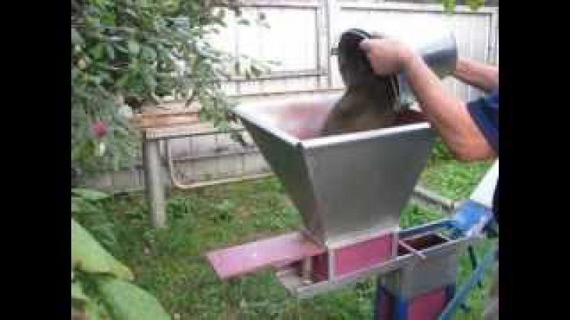 Изготовление кирпича в домашних условиях Mini brick plant,with their own hands.