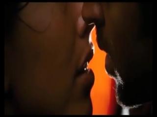 Hrithik Roshan Barbara Mori Hot Kiss Kites(1)