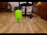 У кого в комнате танцует андроид?? У меня