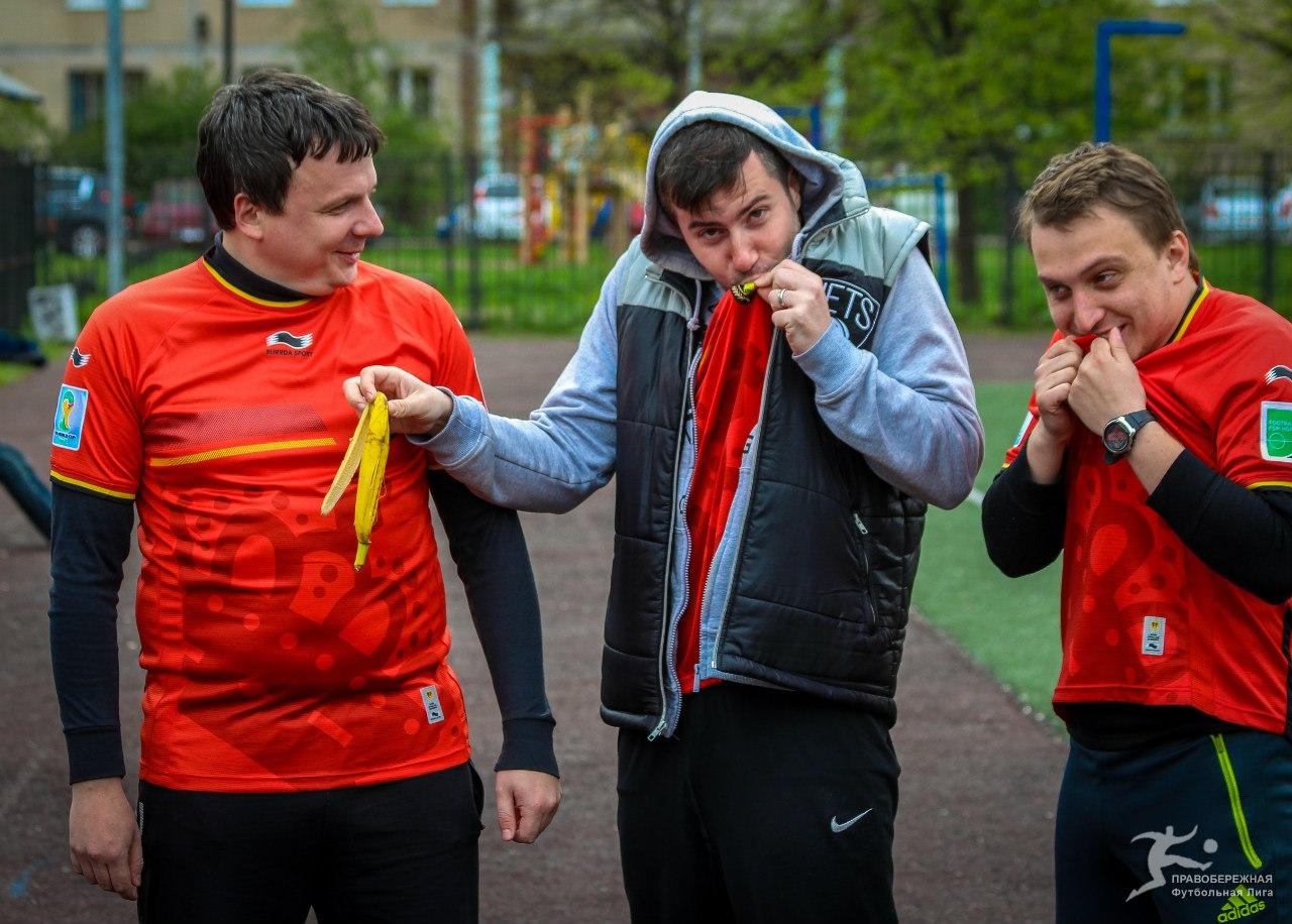 Андрей Савин, Павел Алексеев и Артём Карасёв перед матчем ЖКВД - Спальный Район