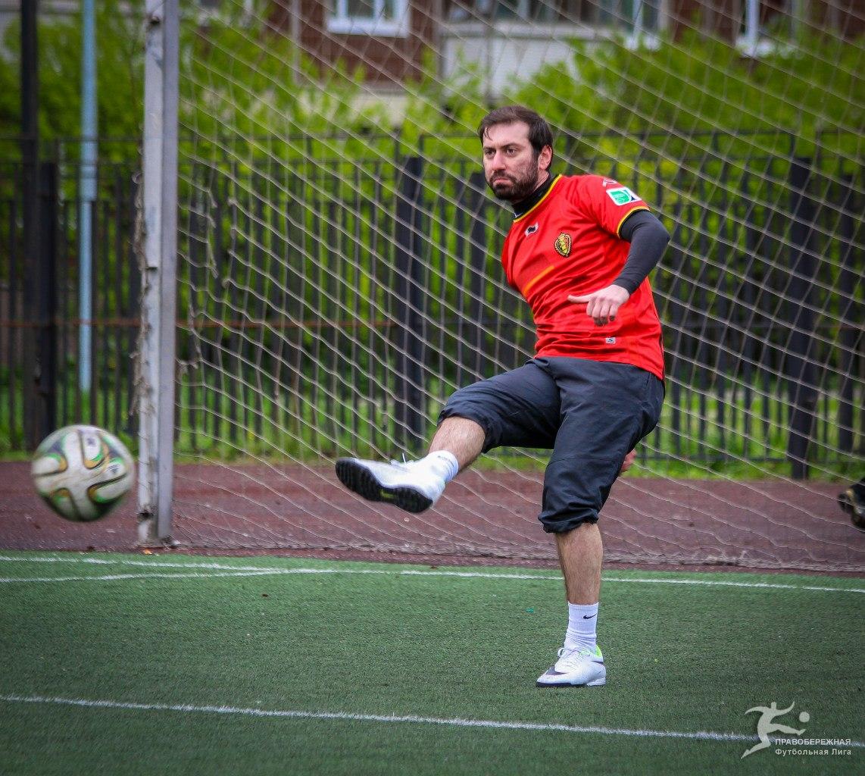 Андрей Григорян в матче ЖКВД - Спальный Район