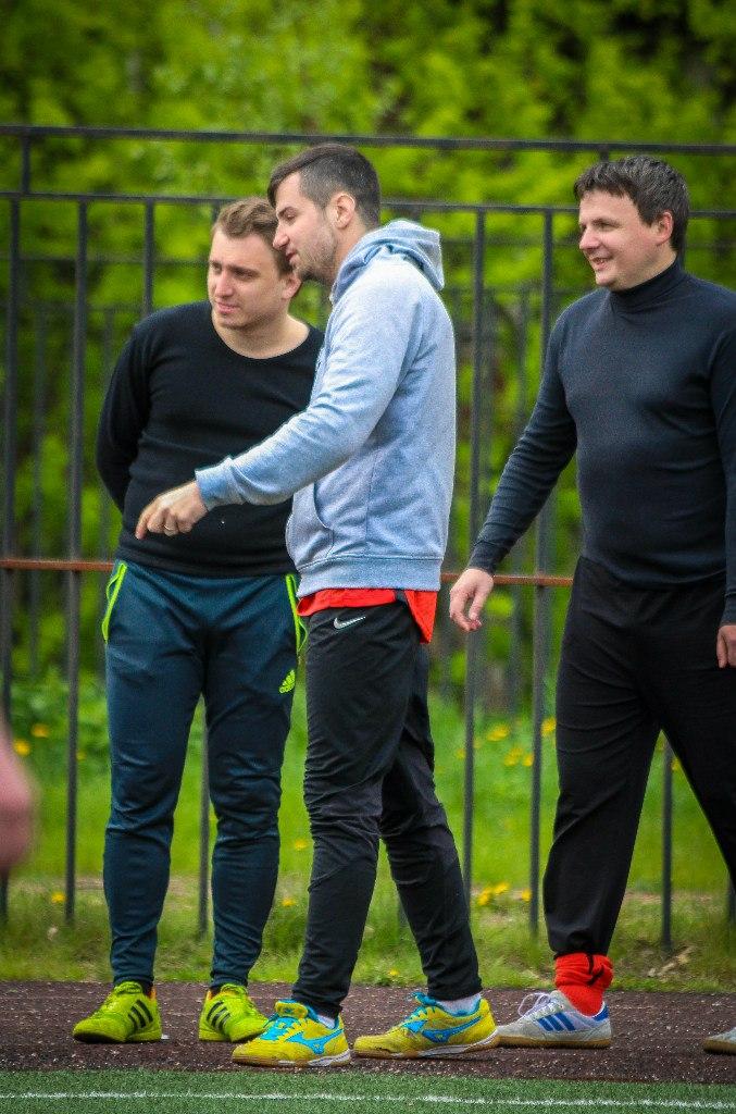Артём Карасёв, Павел Алексеев и Андрей Савин в матче ЖКВД - Спальный Район