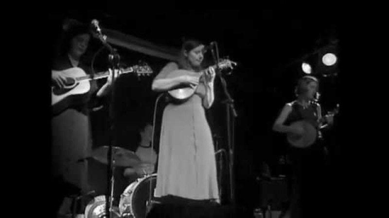 The Be Good Tanyas - Waiting Around To Die (Live at The Railway Club)