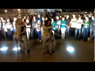 Танец - Гипноз для мужчин! Бачата! Очень сексуально! Девушки танцуют бачата, танец попой, тверк