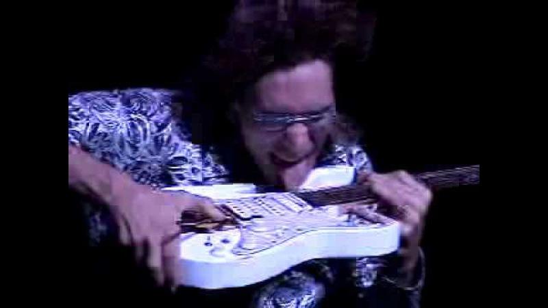 Joe Satriani, Yngwie Malmsteen, Steve Vai G3 Greeting 10/17/03