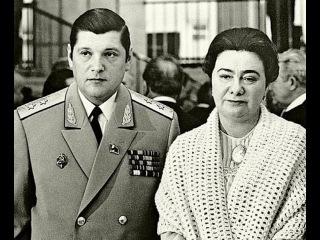Бриллианты для кремлевской принцессы. Бриллиантовая мафия СССР.