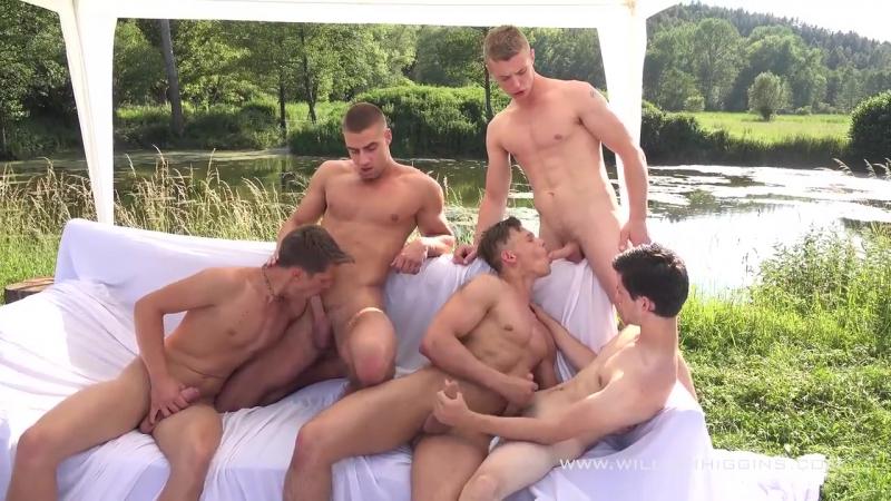 гей групповухи на природе