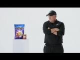 Реклама с главным тренером «Филадельфии Иглс» Чипом Келли