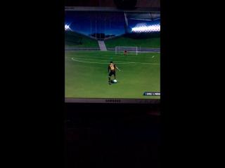 Лионель Месси творит на тренеровке в Фифа 14 (видео моё, я снимал, я играл) от Арсения Карпушина