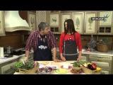 Пола Рубис готовит праздничный салат