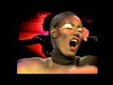 Grace Jones La Vie En Rose (Show Live - Full Version +HQ)