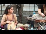 Эти уличные музыканты создают непередаваемую атмосферу восточной сказки - видео ролик смотреть на Video.Sibnet.Ru