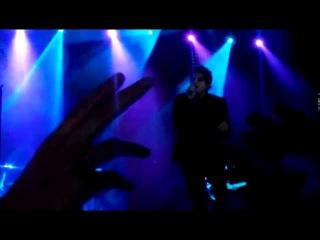 Gerard Way [ Hesitant Alien ] – Drugstore Perfume (Stadium live Moscow 09/09/2015)